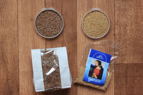 семена белого и коричневого льна