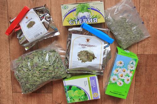 травы для полезного травяного чая