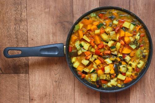 овощи в соусе карри - ша 6 (тушим овощи в кокосовом молоке)