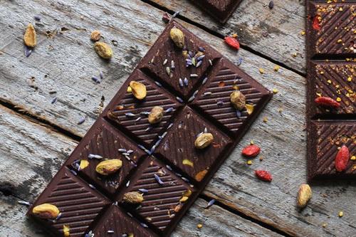 homemade-raw-chocolate-1